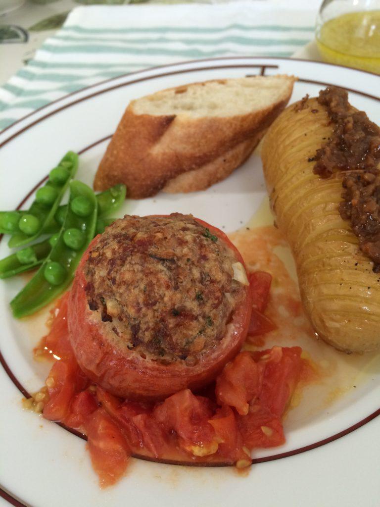 たかきび入り トマトのひき肉詰め