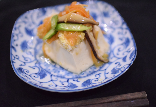 彩り野菜餡豆腐